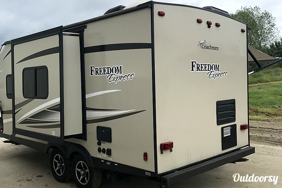 exterior 2017 Coachmen SUV OR 1/2 TON TOWABLE 192RBS Paola, KS