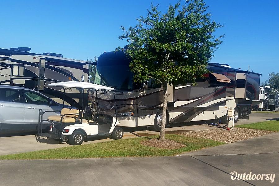 exterior 2012 Fleetwood Providence 42P Brooksville, FL
