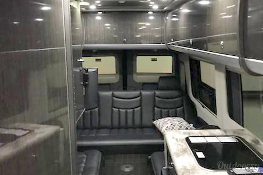 interior Up to 8 can ride in style and travel in comfort Sandy Springs, GA