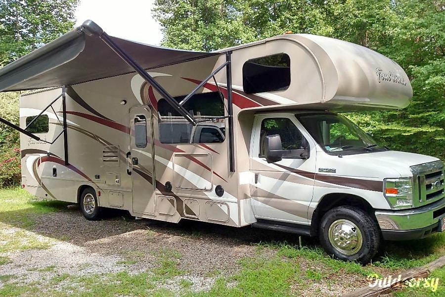 exterior 2016 Thor Motor Coach Four Winds Tellico Plains, TN