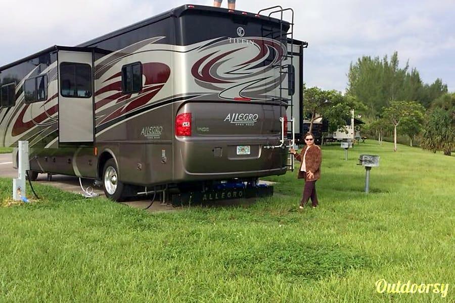 exterior 2016 Tiffin Motorhomes Allegro Open Road Weston, FL