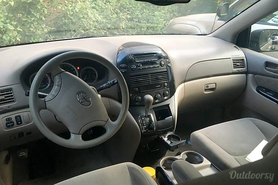 2004 Toyota Sienna Awd Motor Home Camper Van Rental In