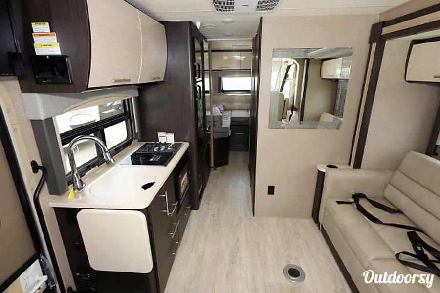 interior 2019 Thor Motor Coach Vegas Greensboro, NC
