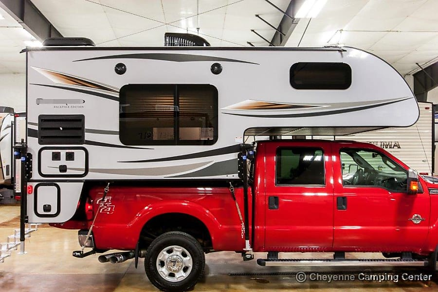 2018 Palomino Backpack Edition Motor Home Truck Camper
