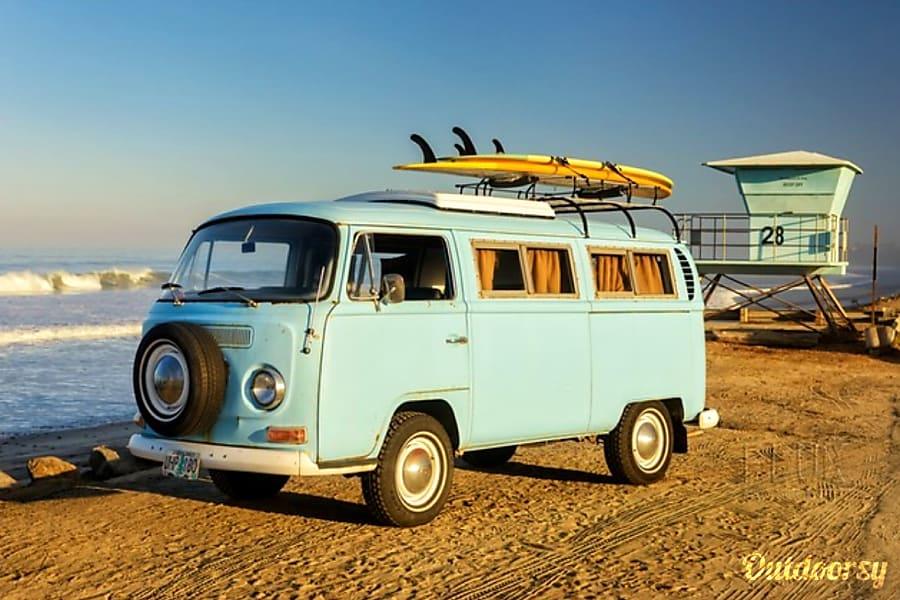 1968 Volkswagen T2 Motor Home Camper Van Rental In