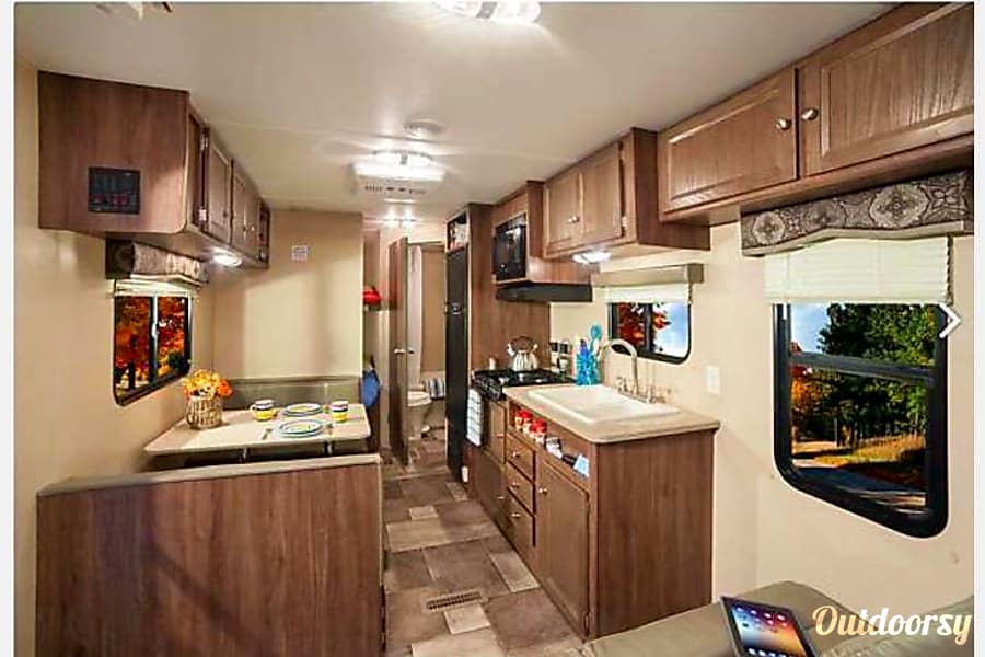 interior 2016 ~ Travel Trooper Bunkhouse ~ 10% Discount for First Responders or Military The Woodlands, TX