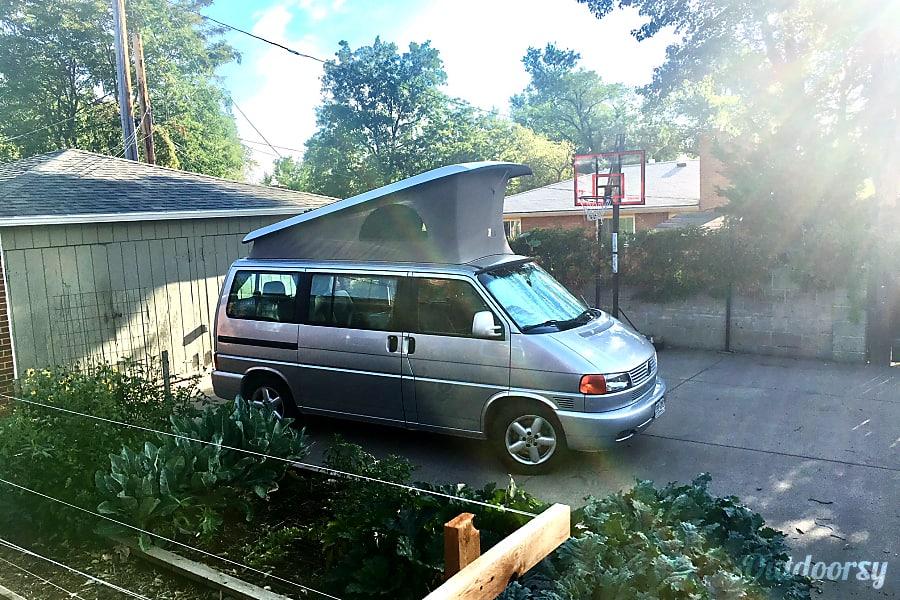 2da3acb688b7b9 2002 Volkswagen Eurovan Weekender Motor Home Camper Van Rental in ...