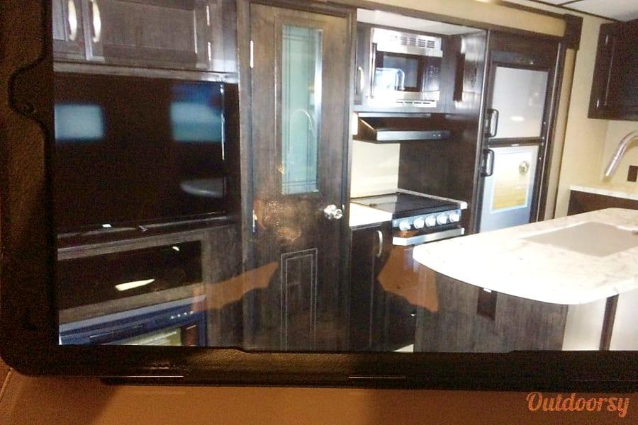 interior 2017 Grand Design Imagine 2950RL Cedar Creek, TX