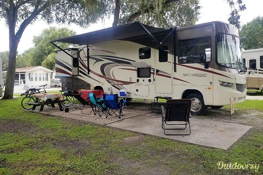 exterior 2016 Forest River Georgetown 335DS Altamonte Springs, FL
