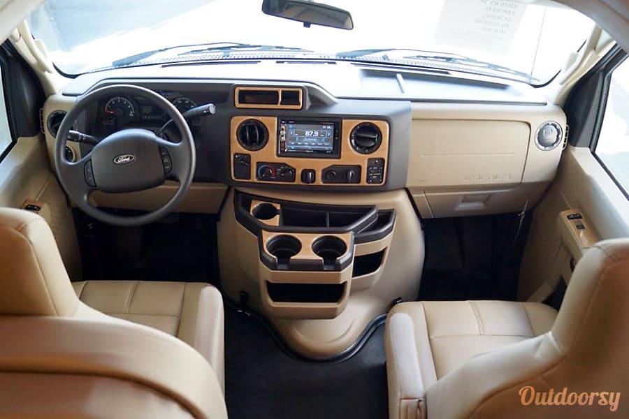 interior 2017 Four Winds Motor 22B Sainte Thérèse, QC