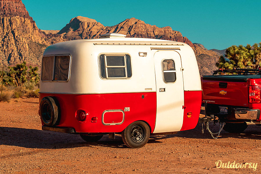 exterior Vintage Camper - Camp in STYLE! Las Vegas, NV