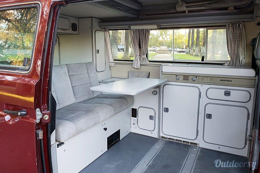 1990 Volkswagen Vanagon Motor Home Camper Van Rental In