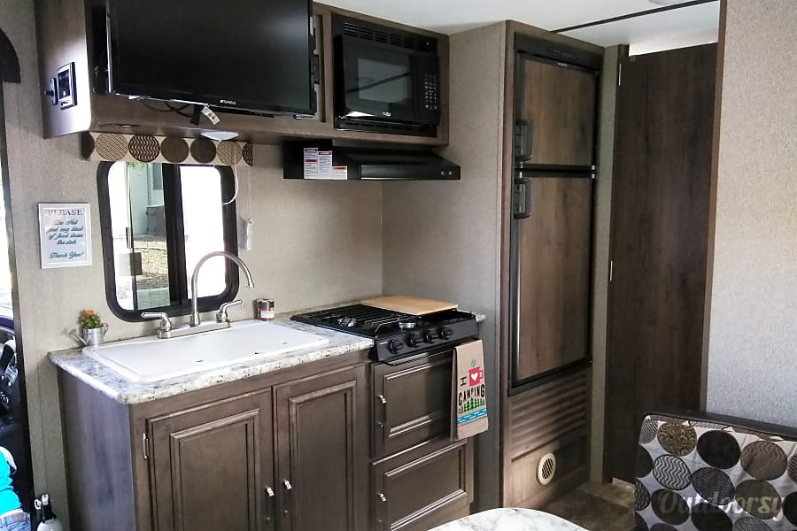 interior Family Camper with Bunk Beds (Local Delivery Available) Tucson, AZ