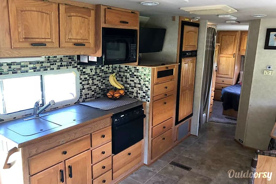 interior 2003 Jayco Granite Ridge Class C 3100 SS. Please Note: Our minimum night is 4, not 2, as it says in listing. It will show correctly when you book your trip. Outdoorsy is working on this display glitch. Thanks for your understanding. DeForest, WI