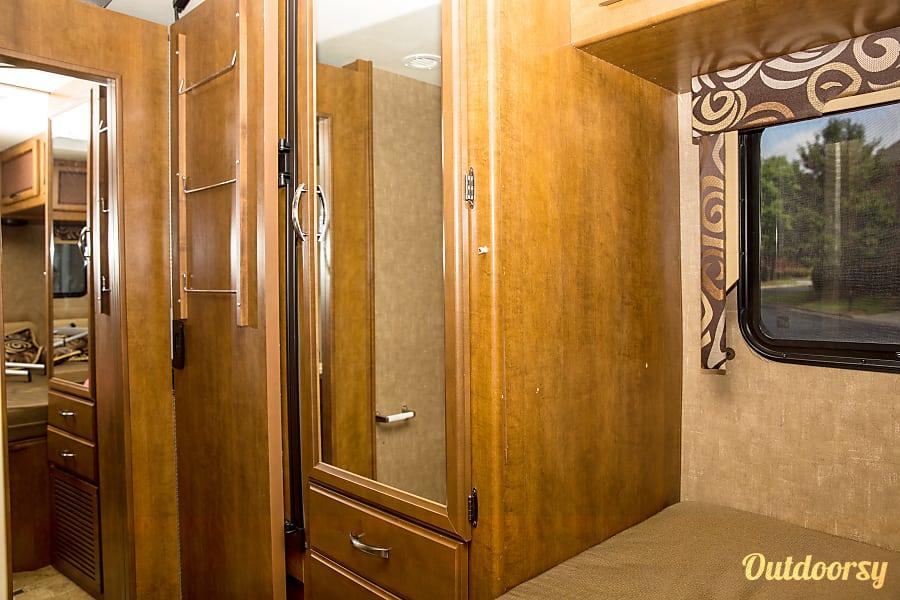 interior 2015 Thor Motor Coach Vegas Atlanta, GA