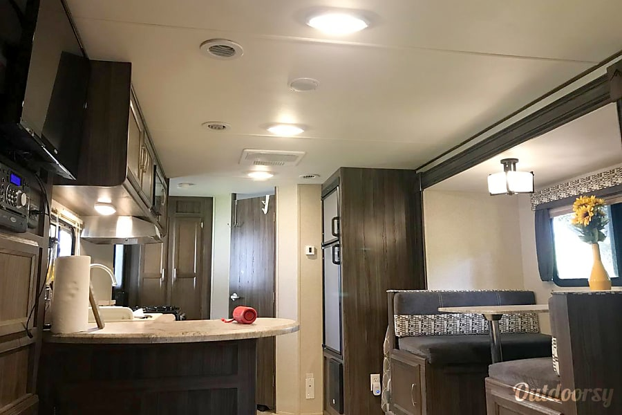 Tiny Living - Modern RV Houston, TX