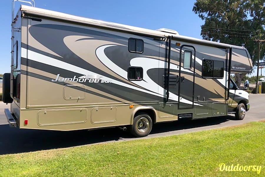 2013 Fleetwood Jamboree Sport w/Bunk beds! Clovis, CA