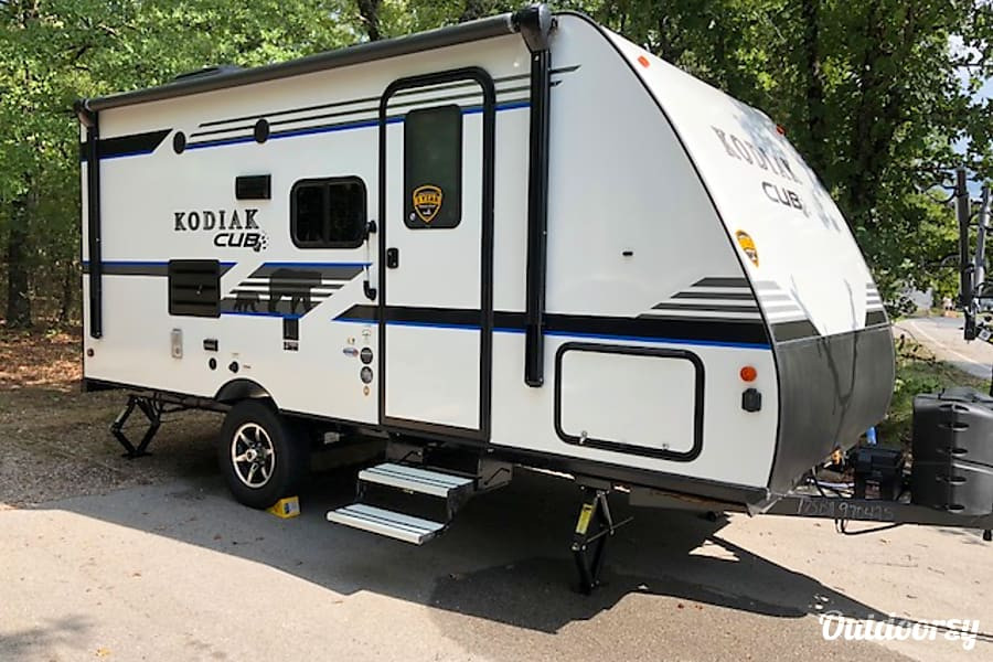 exterior The Cub - 2019 Kodiak Cub - Sleeps 6 with tons of storage! Fort Worth, TX