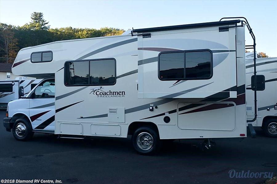 exterior 2018 Coachmen Freelander Marietta, GA