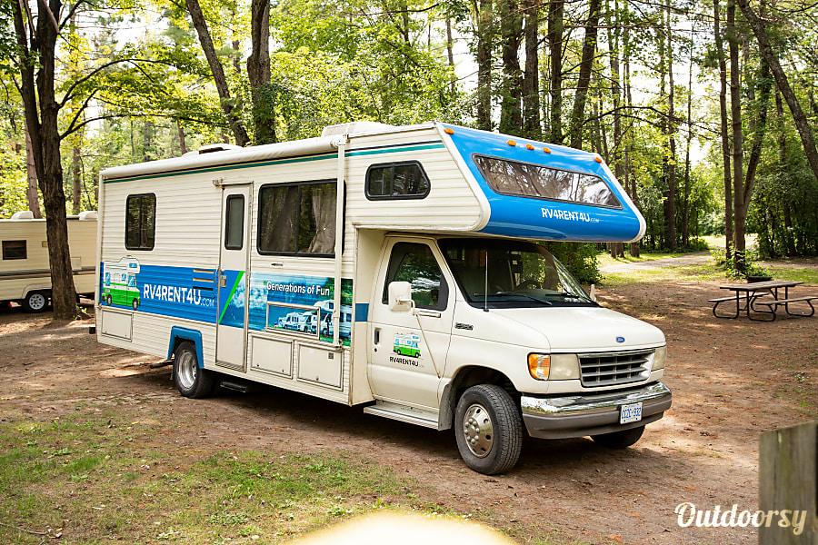 exterior Conquest Ford E-350 Ottawa, ON