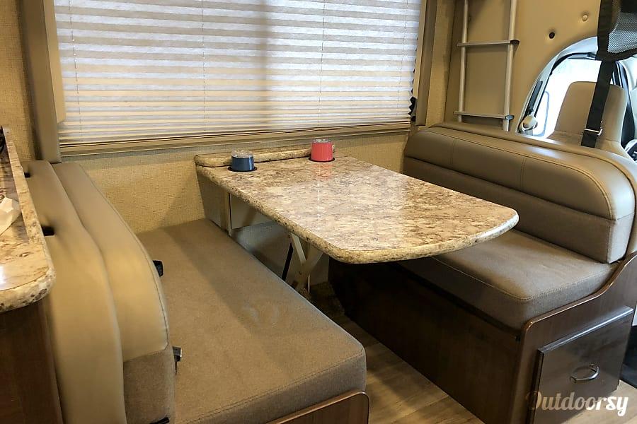 2018 Thor Motor Coach Four Winds 26b Richmond Hill, GA