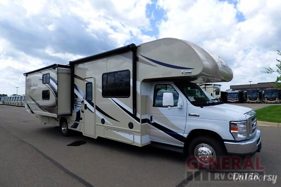 RV 21: 2019 Thor Four Winds 30D Herndon, VA