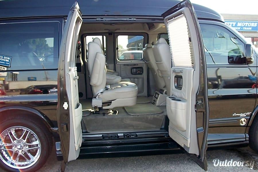 2006 Chevrolet Express Explorer Conversion Motor Home