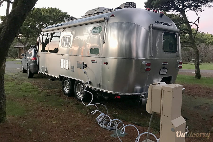 exterior 2018 Airstream International Serenity, 23' Portland, OR