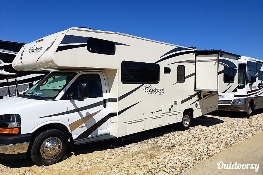 2018 Coachmen Freelander Tomball, TX