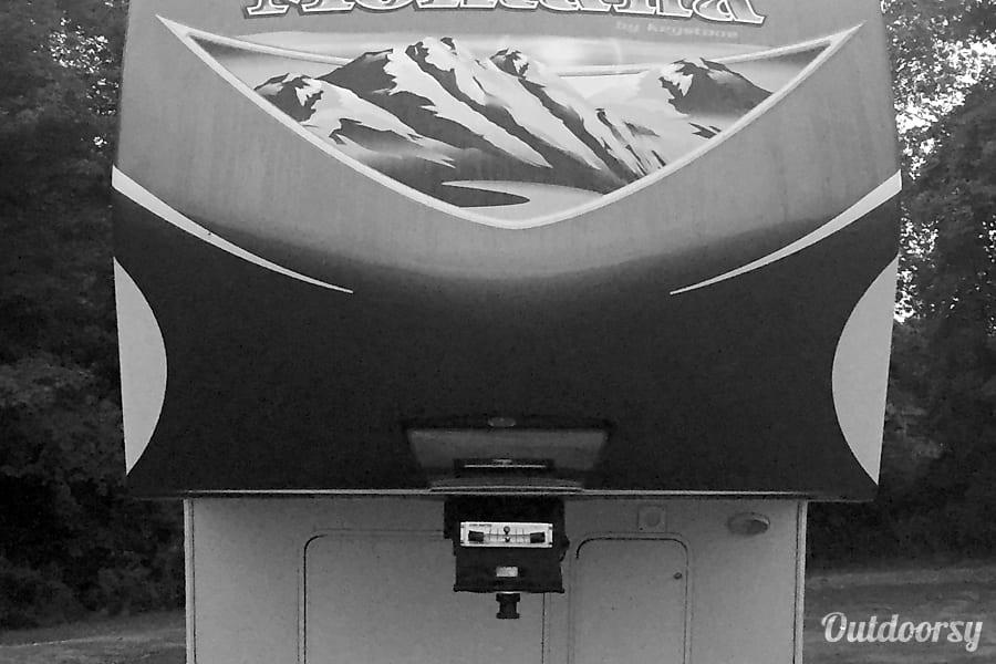2014 Keystone Montana Mountaineer 346LBQ Syracuse, NY