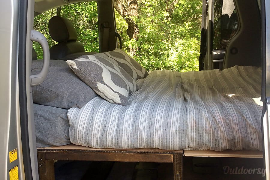 "interior ""VANilla"" Minivan Camper! Austin, TX"