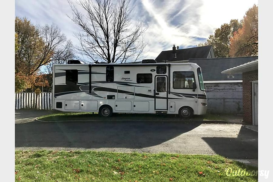 Jayco Precept 29URFully Stocked and Ready for the road Teterboro, NJ