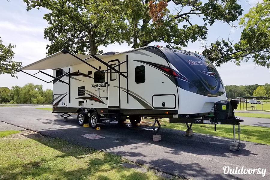 exterior 2017 Heartland North Trail Carrollton, TX