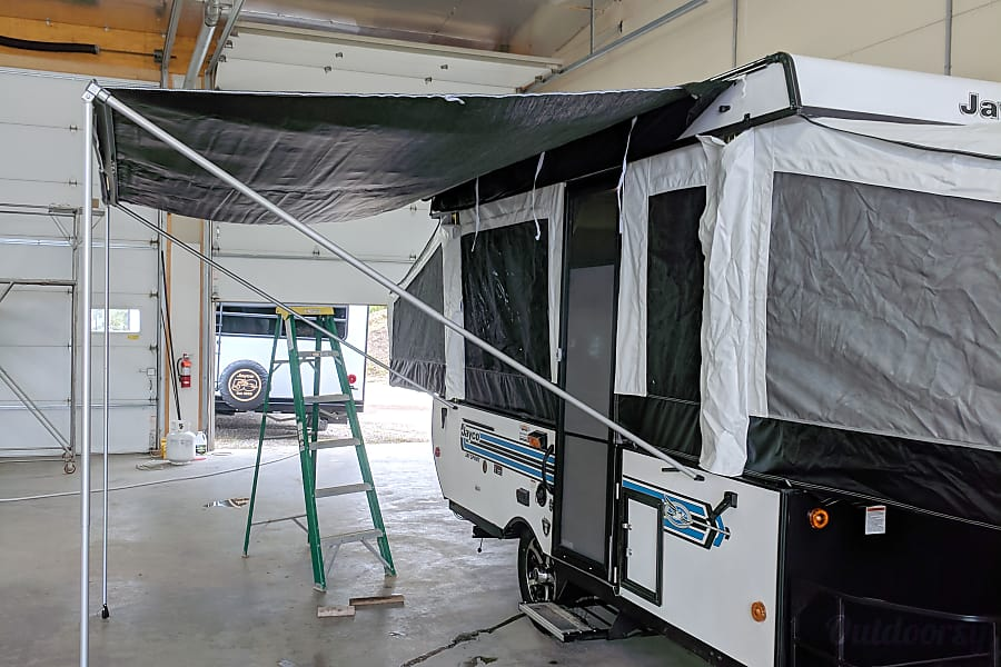 2019 Jayco Sport - Cold A/C - inside and outside showers - sleeps 6 Painesville, OH