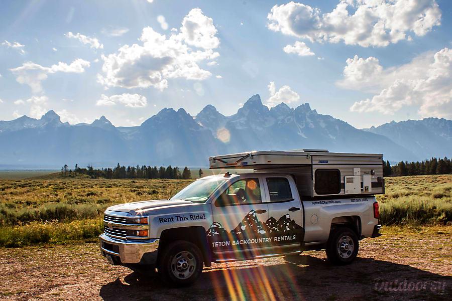 2017 Hawk Four Wheel Camper on Chevy Silverado Prescott, AZ