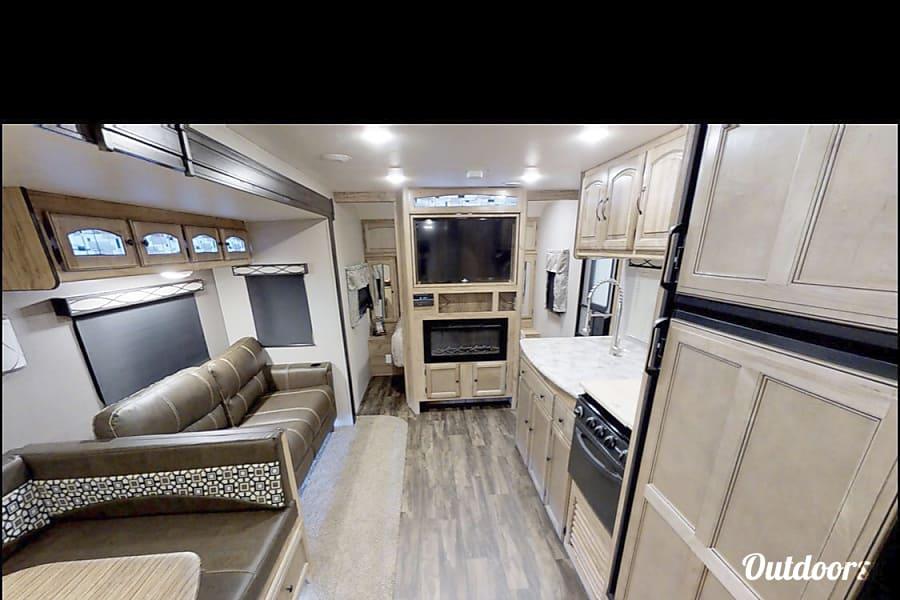 """interior 2018 Coachmen liberty express"""" 35' fully loaded Sacramento, CA"""