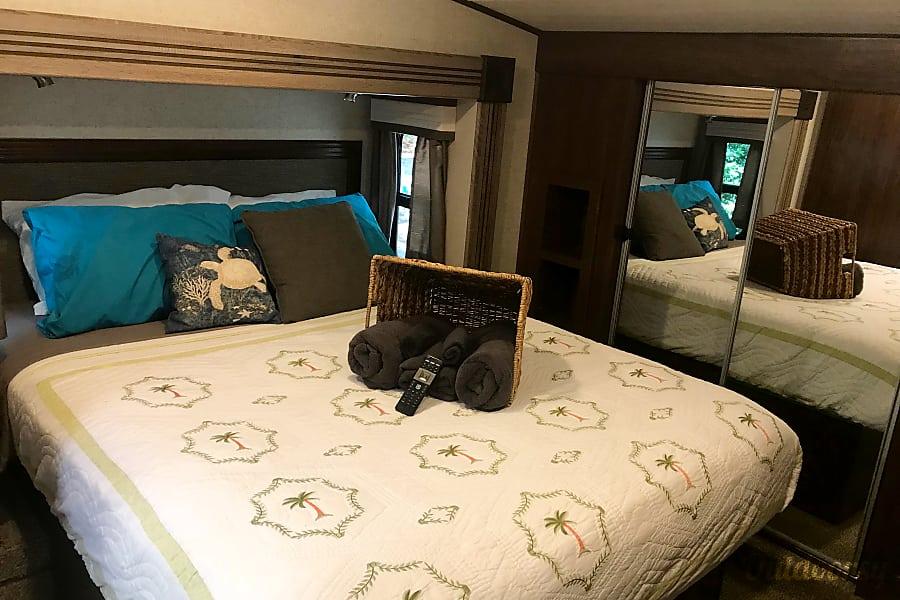 interior MEGA-GLAMPING!!! 45ft Palace  Loaded w/ Towels, Sheets, & Blankets Daytona Beach, FL
