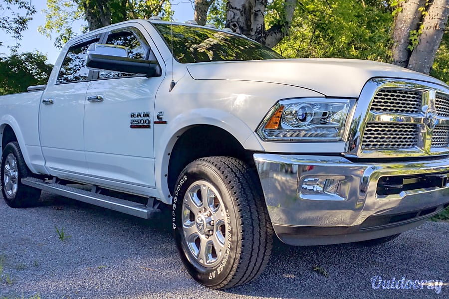 exterior 2015 Dodge Ram Laramie 2500 North Charleston, SC