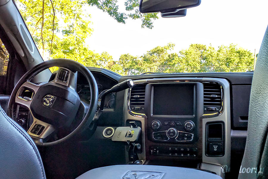 interior 2015 Dodge Ram Laramie 2500 North Charleston, SC