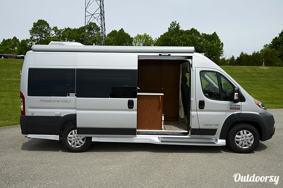 Venturer Van (2018-2019) Oro Medonte, ON
