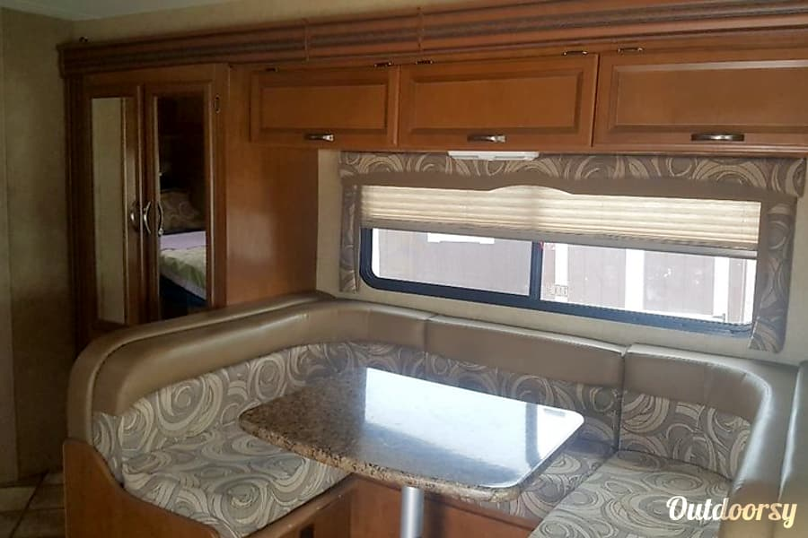 interior 2015 Thor Motor Coach Chateau Round Rock, TX