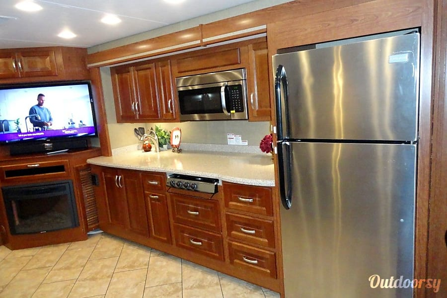 2016 Forest River Berkshire Motor Home Class A Rental In