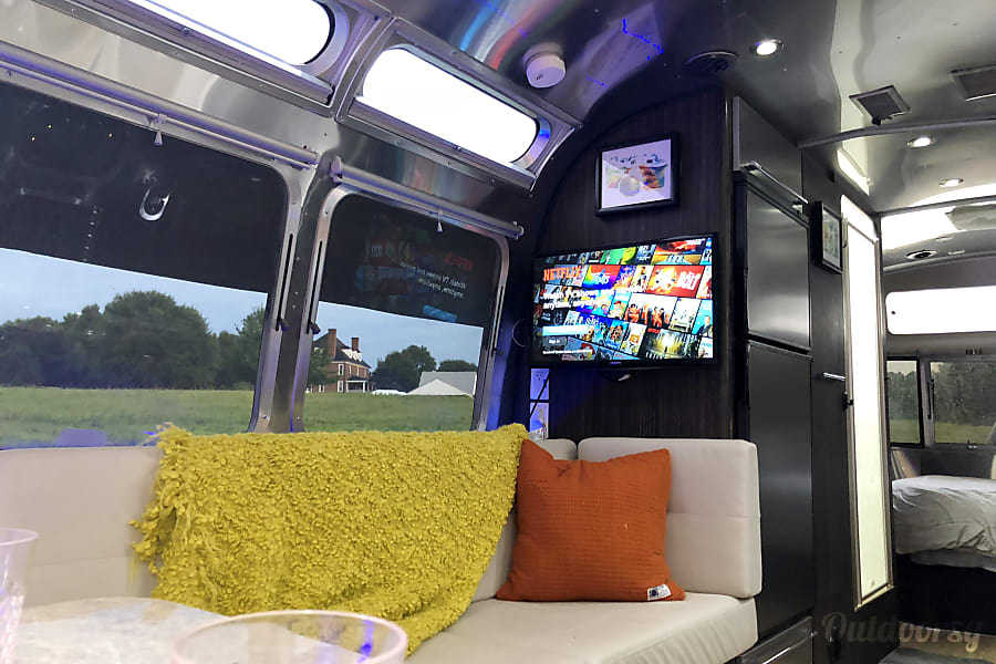 interior 2016 Airstream International Humble, TX