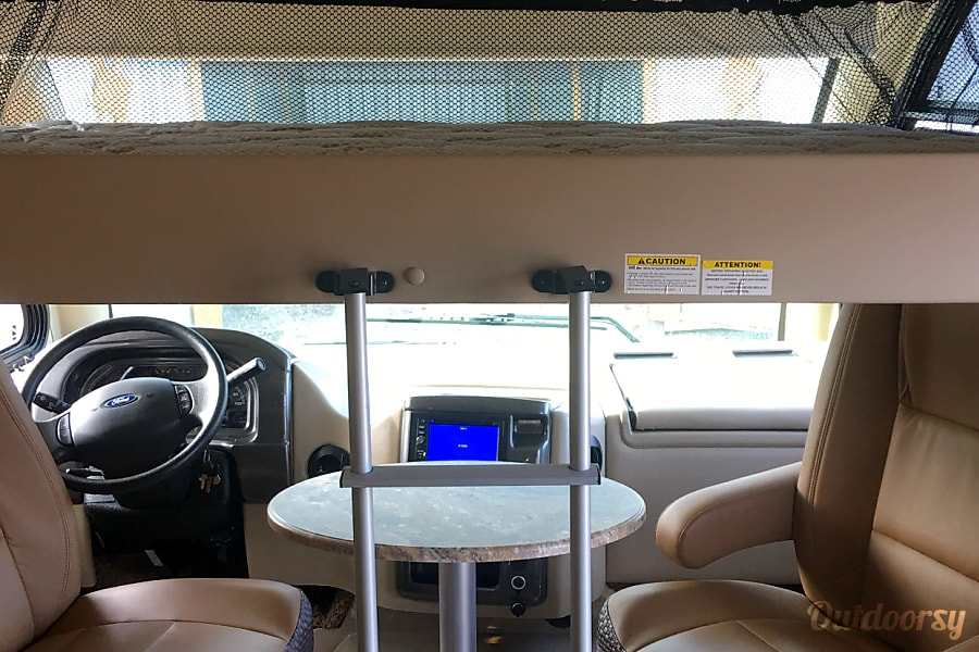 interior 2016 Thor Axis Class A on a 25'Class C chassis **Free **WiFi,Roku,and Netflix!! Fort Meade, MD