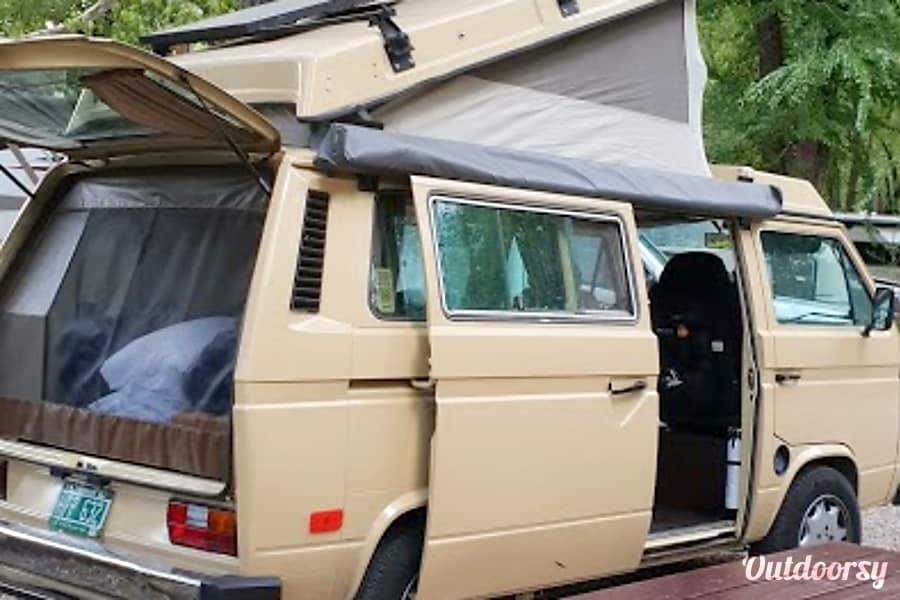 """exterior 1982 Volkswagen Westfalia """"Buttercup"""" Newark, CA"""