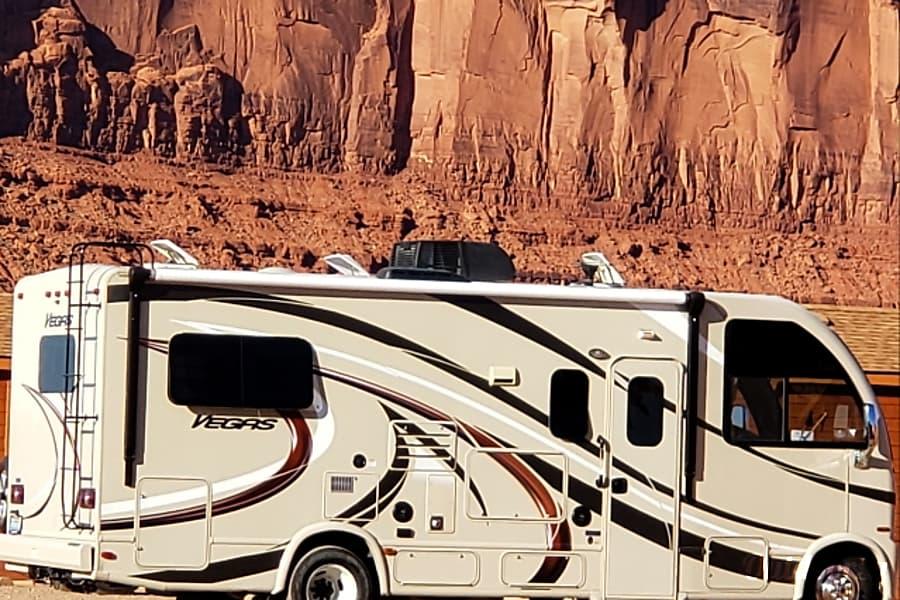 """2016 Thor Motor Coach Vegas aka """"Suite 16"""" Las Vegas, NV"""