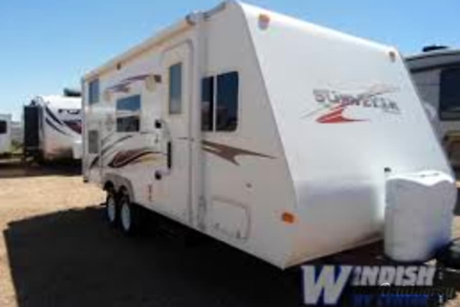 exterior 2009 Forest River Surveyor 24' Saskatoon, SK