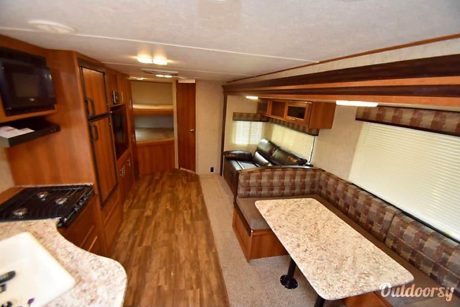 2018 avenger 2018 Avenger 29 foot Bunkhouse trailer rental sleeps 10 Mesa, AZ