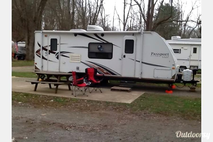 exterior 2014 Keystone Passport Express 245RB Columbus, OH