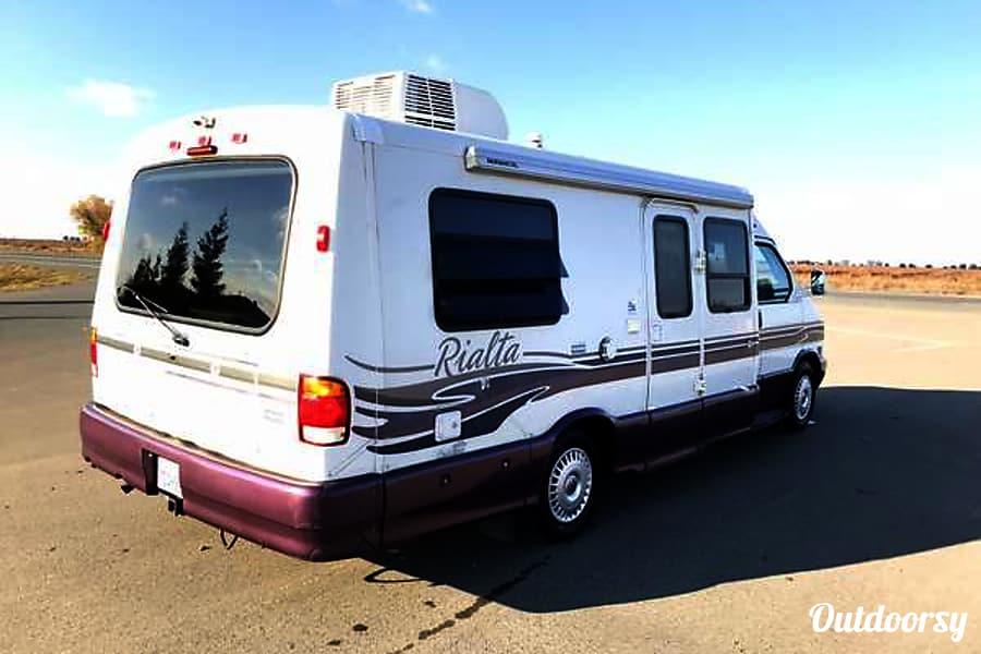 exterior WINNEBAGO EUROVAN CAMPER RIALTA QD .. SLEEPS 4 .. MPG 15 - 20 Elk Grove, CA